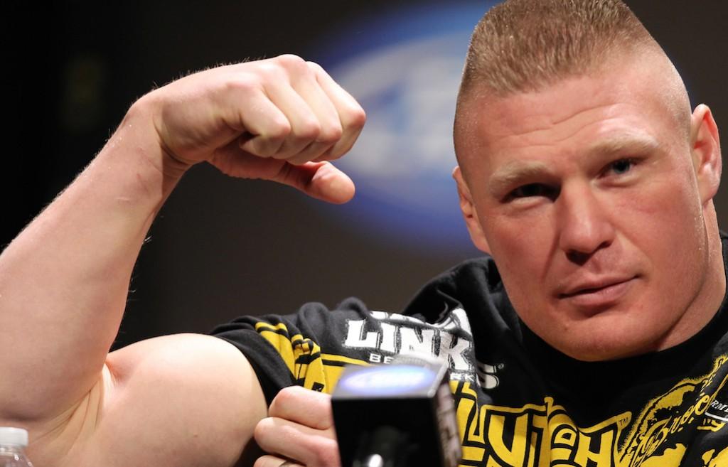 Brock lesnar ar tillbaka