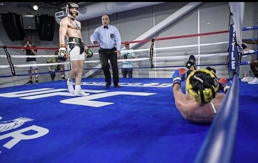 conor mcgregor knockdown