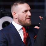 Conor McGregor i kostym