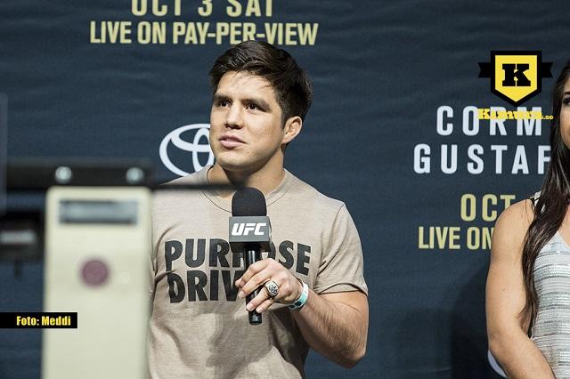 Henry Cejudo under presskonferens inför UFC 192