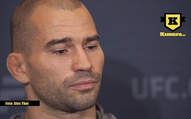 Artem Lobov nedstämd vid mediadag