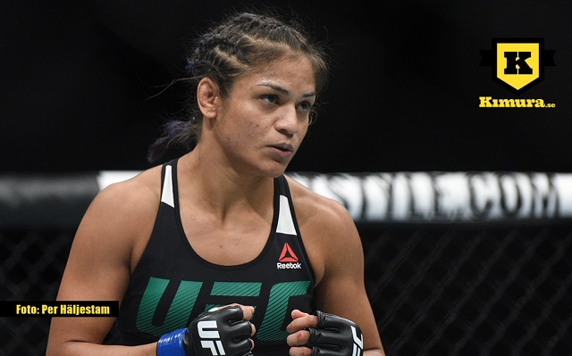 Cynthia Calvillo under match