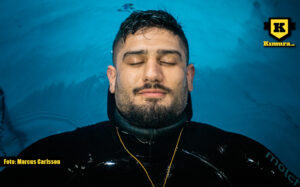 Rami Bladlav i pool