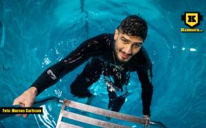 Rami Bladlav i pool stege