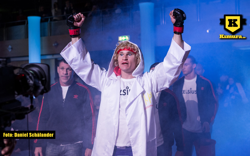 Karl Albrektsson går in till buren på Superior Challenge 17