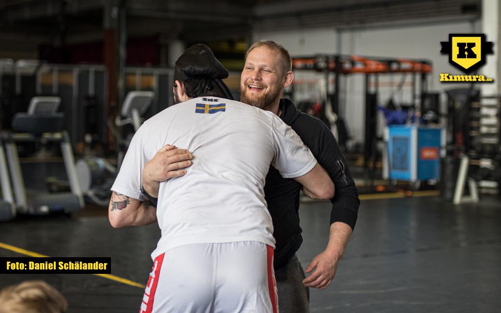 Joakim Engberg instruerar på GBG MMA