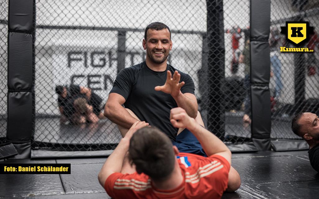 Sahil Siraj ler på träning