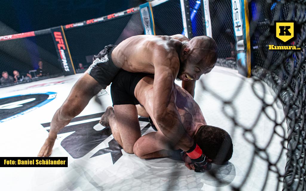 Khaled Laallam slår på marken