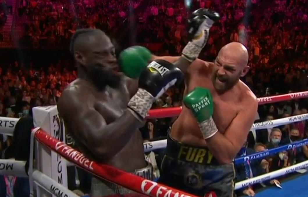 Tyson Fury knockar Deontay Wilder